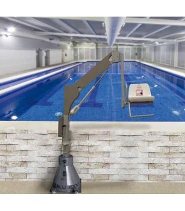 El elevador de bateria 3400, está diseñado para que personas con movilidad reducida, puedan acceder a piscinas en alto o spa